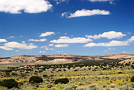 草原上的白云快速流動視頻素材