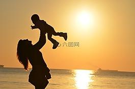 母親,女兒,愛情
