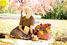 年轻的女人,秋天,秋