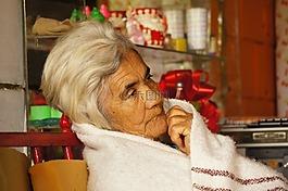 老年齡,人物,地區