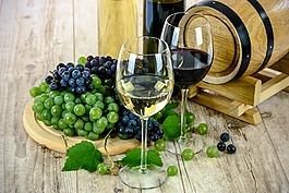 兩種類型的酒,白,紅酒