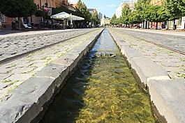 水,科希策,主街