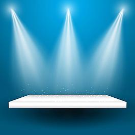 聚光燈照射到空的展示架上藍色背景
