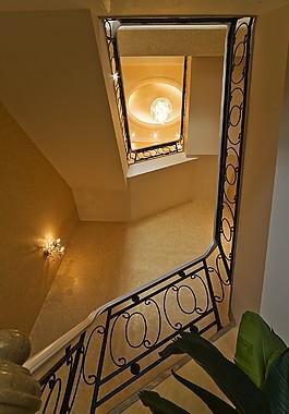 豪華別墅樓梯裝修效果圖
