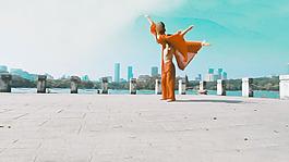 《單色舞蹈》舞蹈人物視頻素材2