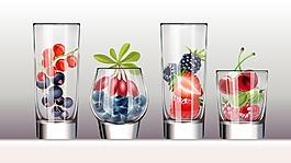 玻璃杯里的水果