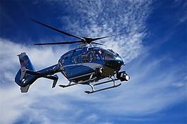 直升机快速通过一段距离音效素材