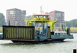 船只慢慢停靠码头音效素材