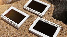 夏日明媚海灘上的相框照片展AE模板