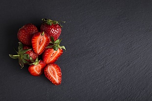 草莓 切开草莓 水果